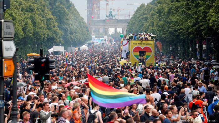 Berlin Christopher Street Day Straßenparade